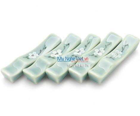 Gác đũa men xanh láng vẽ hoa đào BA19-6