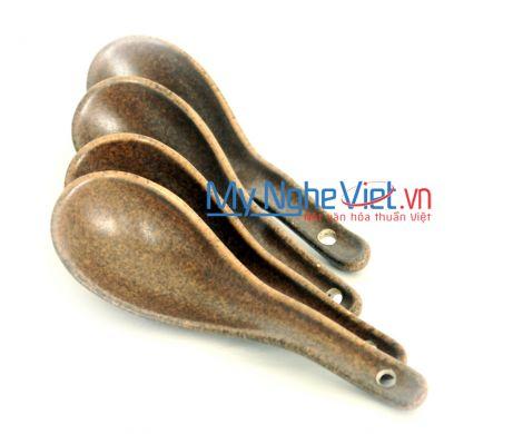 Thìa cơm cong men gốm nâu MNV-MN04