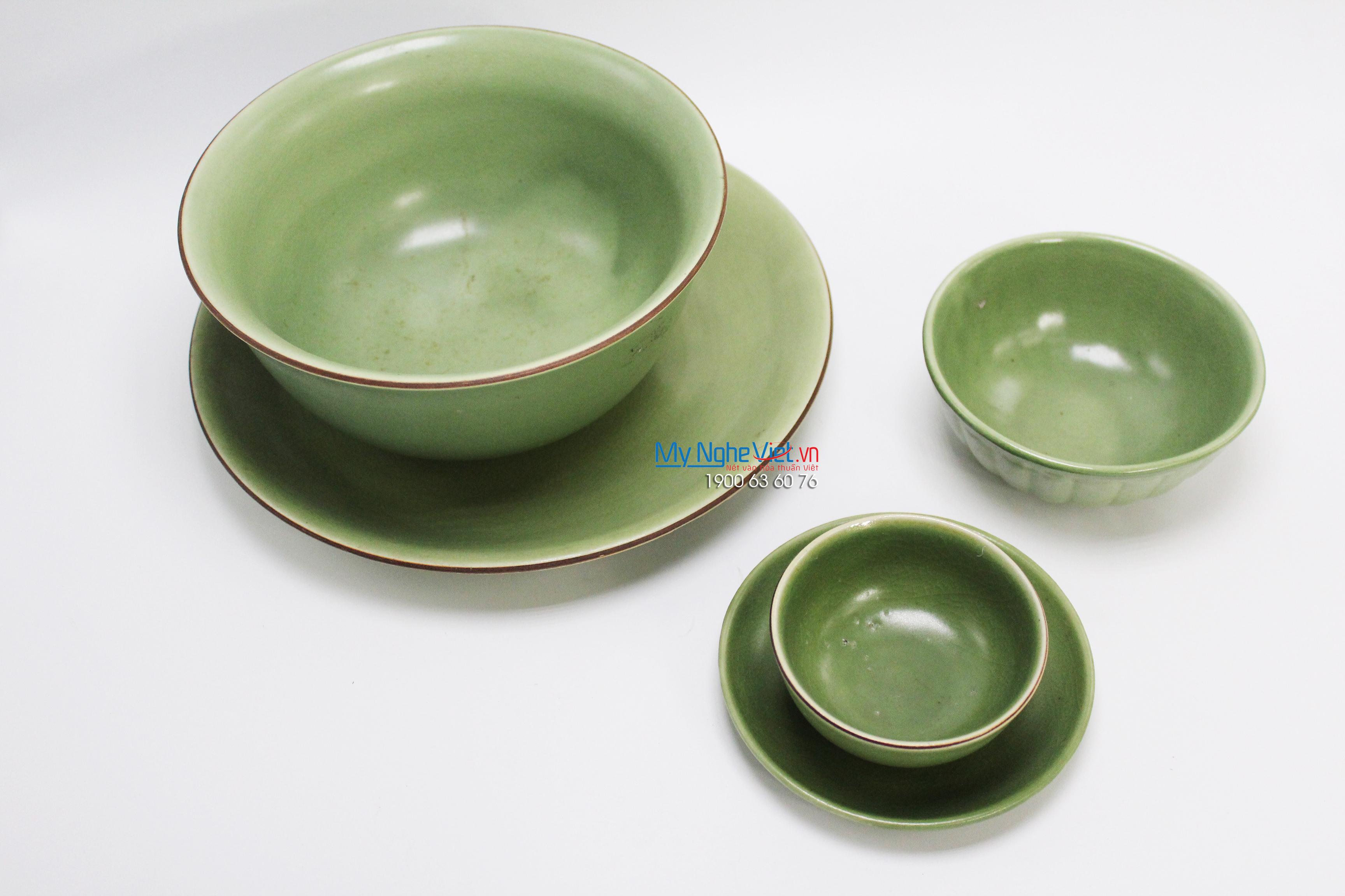 Bộ bàn ăn men xanh lá gốm Bát Tràng MNV-BBA04