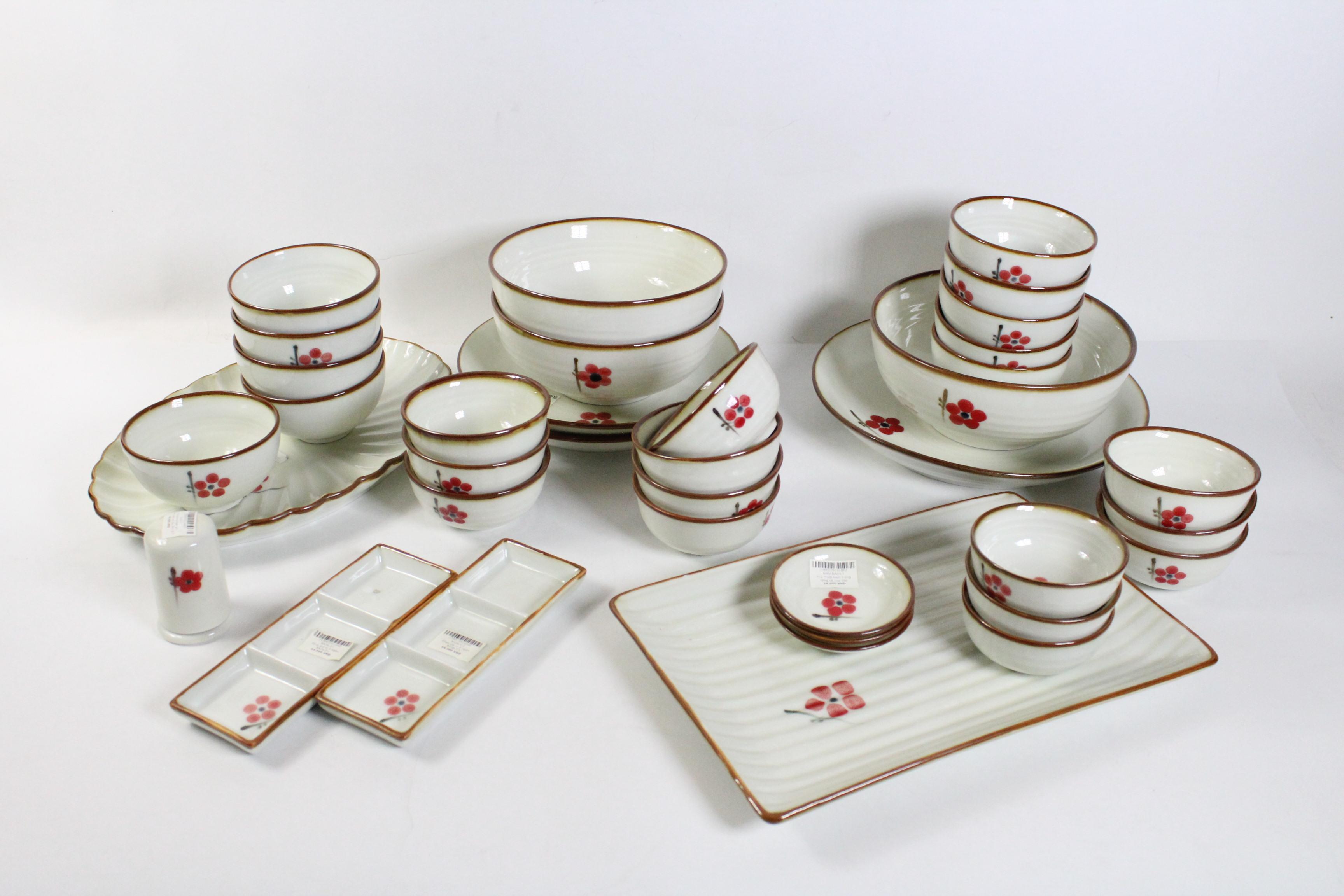 Bộ chén dĩa bàn ăn men kem vẽ hoa đào đỏ 10 người - đặc biệt BBA35-7